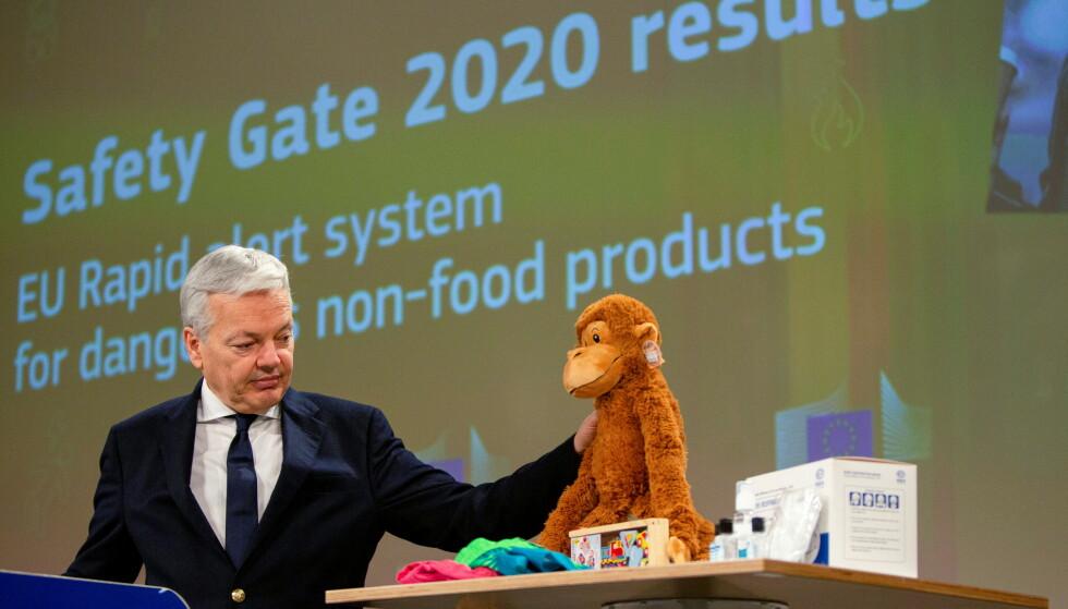 LEKER OG COVID 19-PRODUKTER: EU-kommisjonær Didier Reynders trakk fram de mange varslene på coronarelaterte produkter under presentasjonen av 2020-rapporten om farlige forbrukerprodukter. Men leker og barneklær er fortsatt en stor kategori. Foto: NTB scanpix
