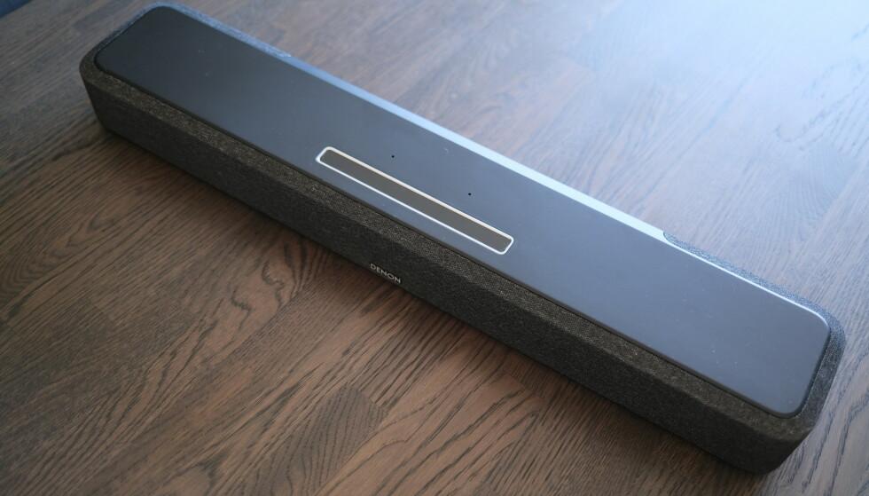 DENON HOME: Sound Bar 550 er Denons første lydplanke med Dolby Atmos. Foto: Martin Kynningsrud Størbu