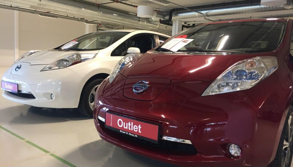 BILLIGSALG: Det er billigsalg på brukte elbiler om dagen. Nissan Leaf er Norges mest solgte elbil og det betyr at det nå er mange rimelige, brukte til salgs. Foto: Rune Korsvoll