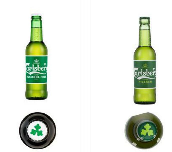 SJEKK FLASKEN: Alkoholfri har hvit kork (til venstre) og alkoholholdig har grønn kork (til høyre). I tillegg er etiketten tydelig merket. Foto: Carlsberg