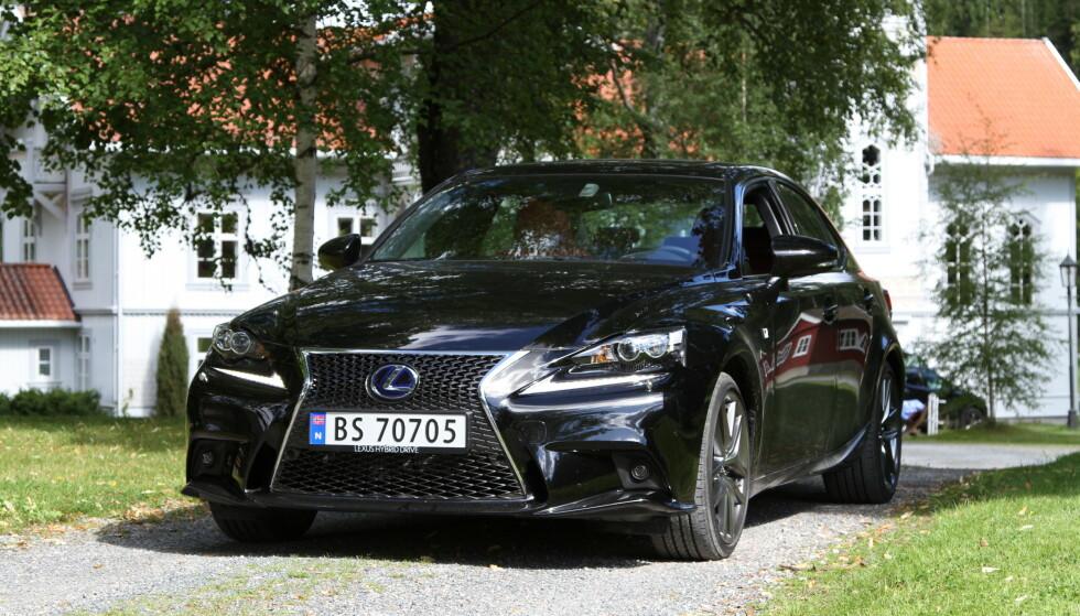 DRIFTSSIKKER HYBRID: Bilene fra Lexus og Toyota har færrest feil, noe som skyldes det driftssikre hybriddrivverket, ifølge Toyota. Foto: Rune Korsvoll