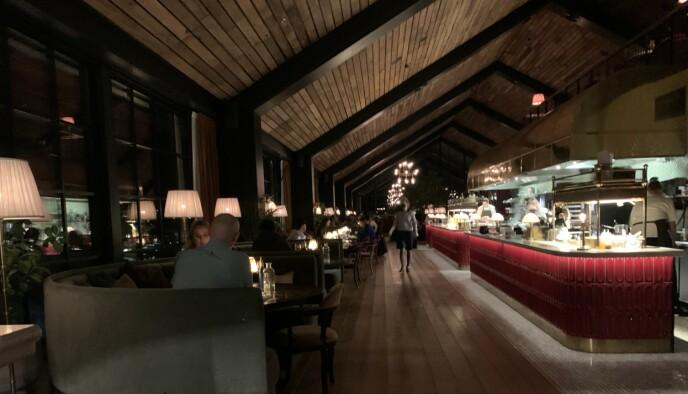 Spisesteder på overnatting kan tilby servering til overnattende gjester. Her fra Fyri Resort i Hemsedal. Foto: Berit B. Njarga