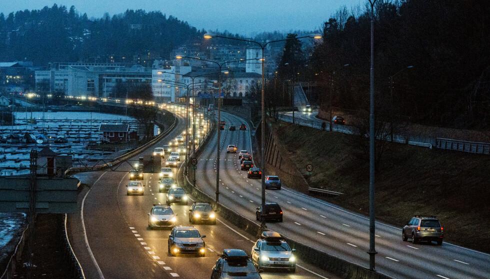 Blir eldre: Gjennomsnittsalderen på norske biler har økt betraktelig de siste årene. Foto: Fredrik Varfjell / NTB