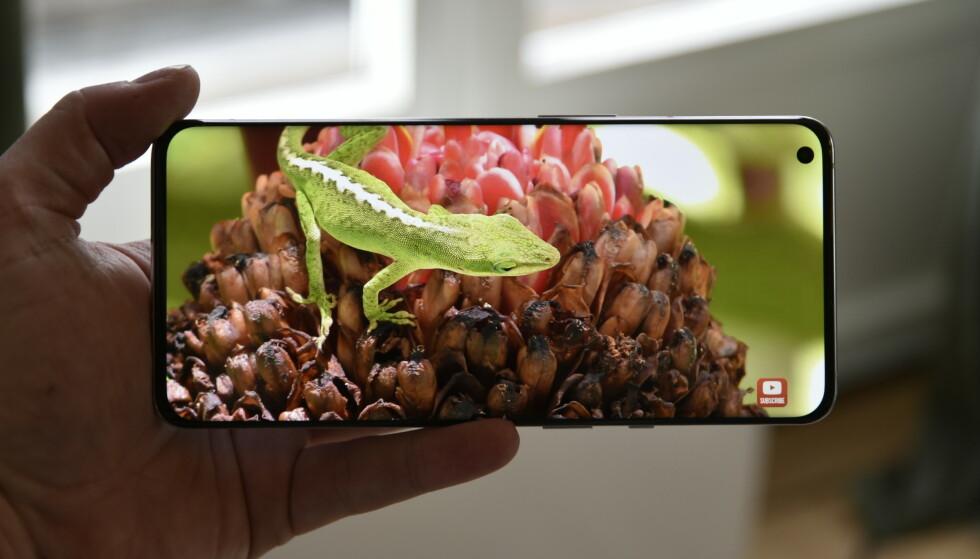 FLOTT: Skjermen på OnePlus 9 Pro er av ypperste kvalitet. Foto: Pål Joakim Pollen