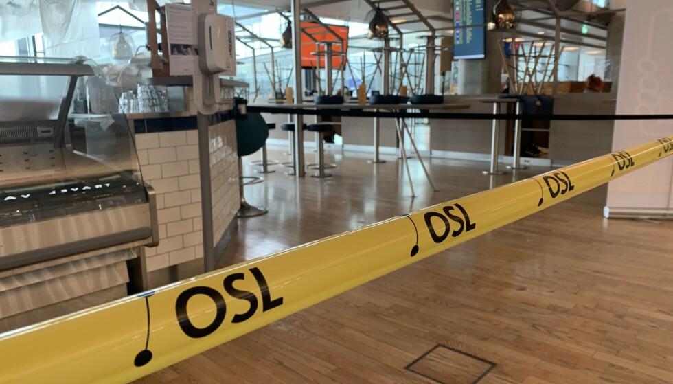 STENGT: Kun take away og stengte butikker er det som møter deg på Oslo lufthavn i disse dager. Foto: Berit B. Njarga