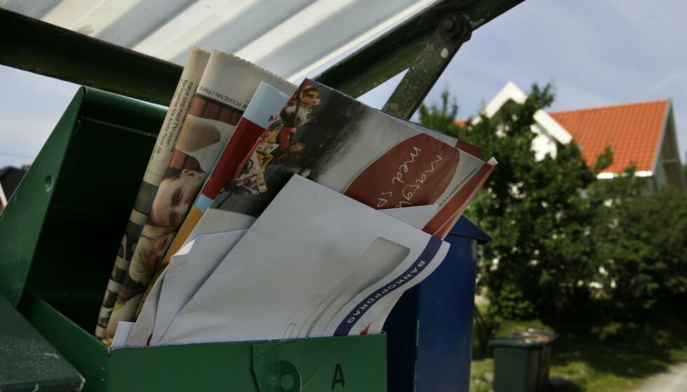 INGEN HJEMME: Med en full postkasse er det lett å se at boligen trolig er tom for folk. Foto: Terje Bendiksby / NTB