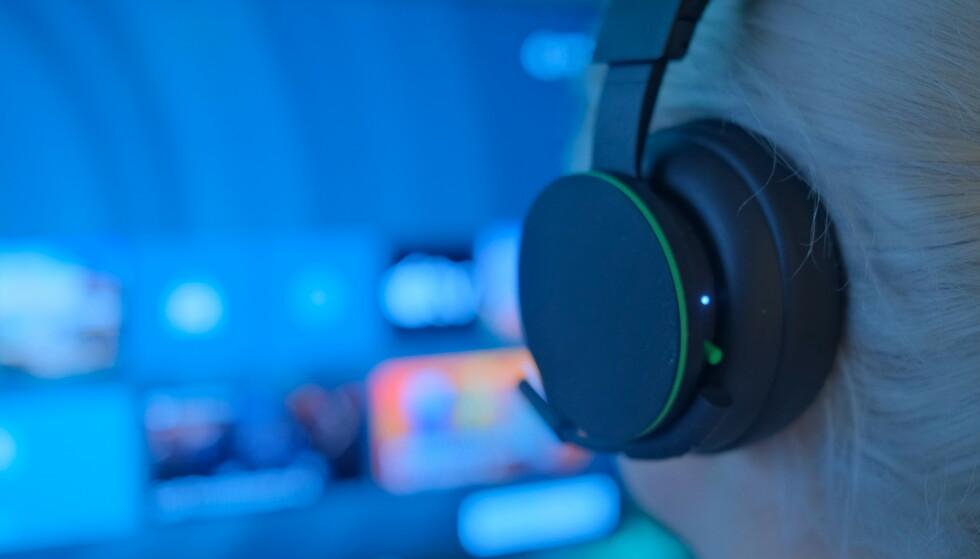 Xbox Wireless Headset har ett enslig indikatorlys. Foto: Martin Kynningsrud Størbu