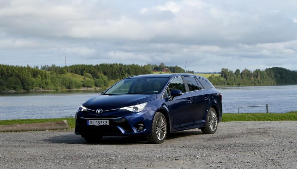 AVENSIS UTSATT: I Norge er de fleste bilene som kalles tilbake for å skifte EGR-ventilen som kan forårsake brann, Toyota Avensis. Foto: Rune Korsvoll