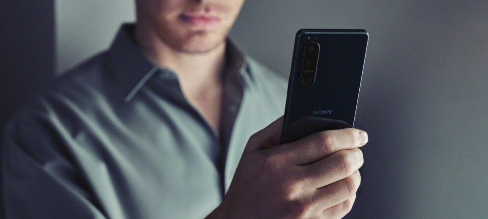 TO NYE: Sony har nettopp lansert sine to nye toppmodeller, Xperia 5 III (avbildet) og Xperia 1 III. Foto: Sony