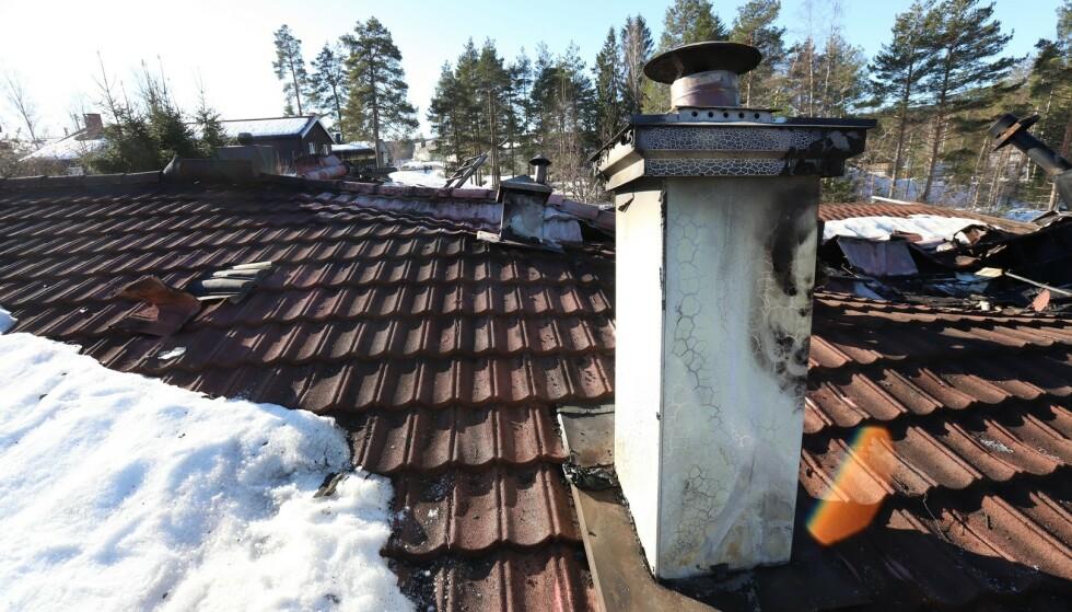 TOTALSKADET: I februar i år ble en bolig i Nittedal totalskadet etter brann. Pipa var årsaken. Foto: Nedre Romerike brann- og redningsvesen