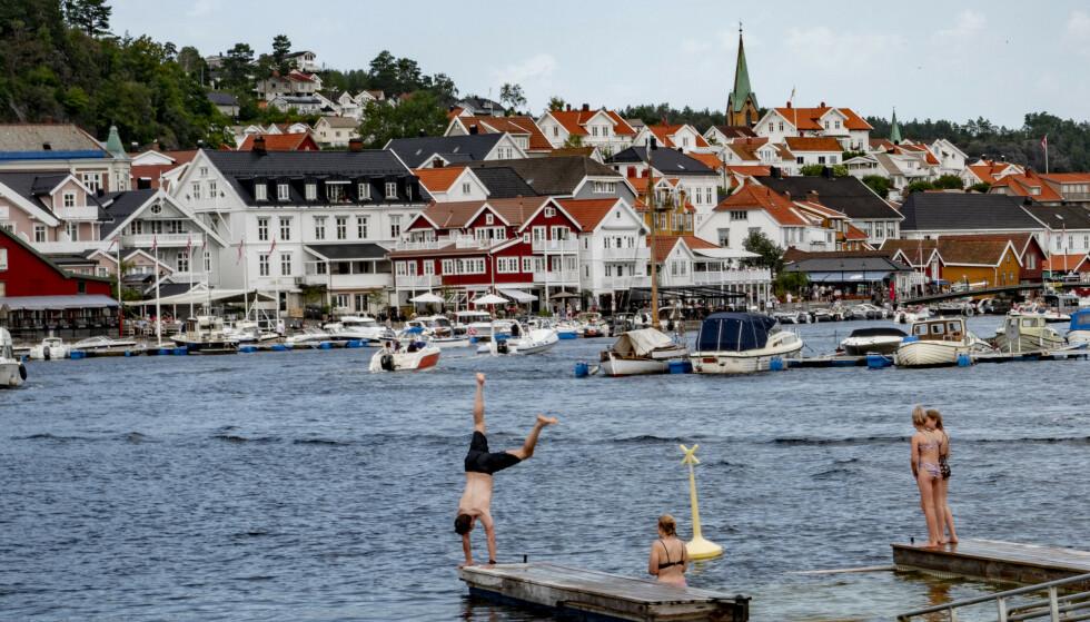 MAKS I MAI: Planlegg på forhånd, slik at du kan få mest mulig ut av fridagene i mai. Da kan du kanskje bade i Kragerø? Illustrasjonsfoto: Geir Olsen / NTB