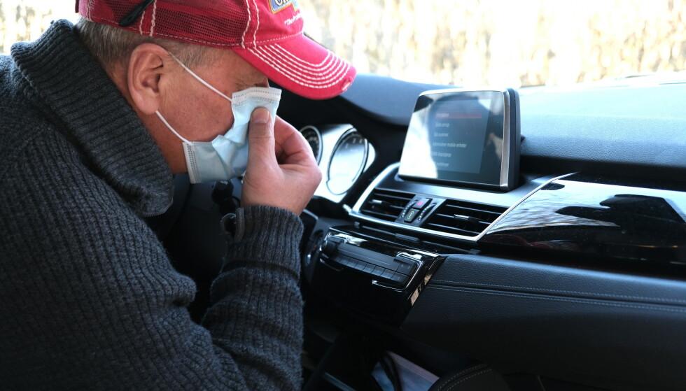 EKKEL STANK: Med vårsol og varme kommer også mange ekle stanker i bilen. Noen fjerner du selv, andre bør din favoritt-mekaniker fikse. Foto: Rune Korsvoll