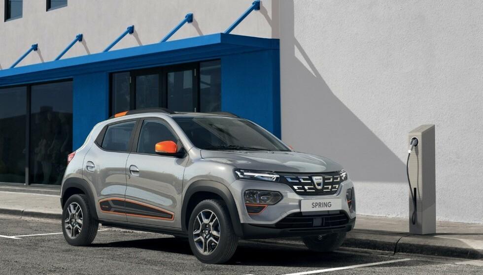 NORGES BILLIGSTE: Dacia Spring kommer til å bli Norges billigste elbil. Selv om importøren ennå ikke vil gå ut med en pris, tror vi den kan havne rundt 140 000 kroner. Foto: Dacia