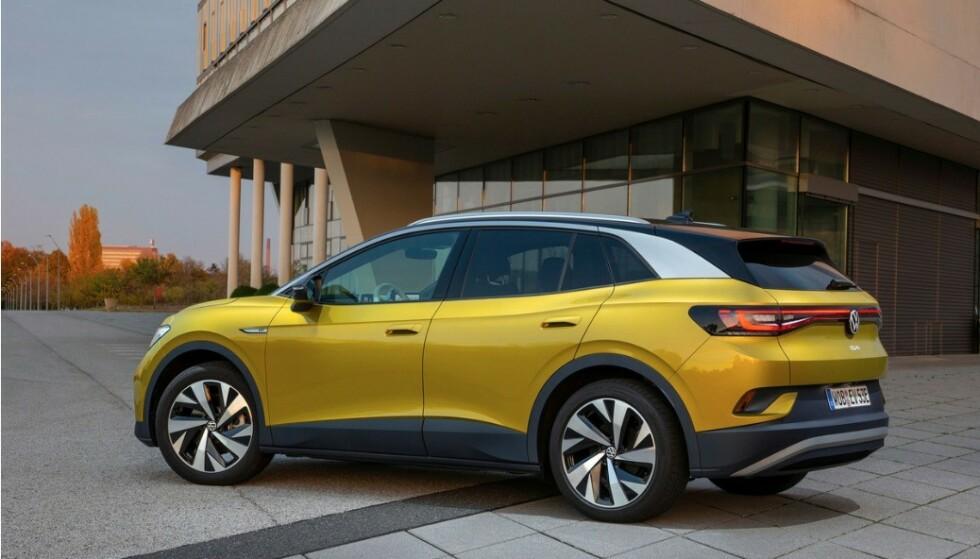 RETT TIL TOPPS: Nye, elektriske VW ID.4 går rett til topps på salgsstatistikken i april. Foto: VW