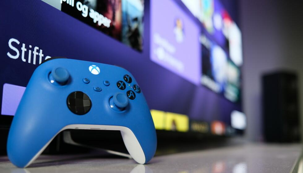 XBOX: Xbox Series X er kraftigere enn Xbox Series S, og drar dermed også mer strøm. Foto: Martin Kynningsrud Størbu