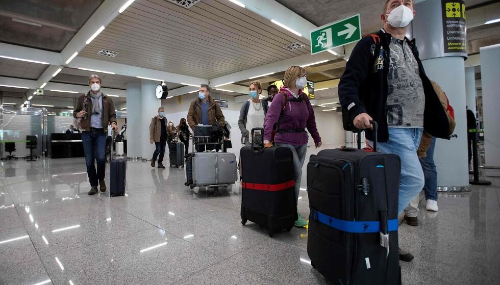 SPANIA: I hovedsak må alle nordmenn fremlegge negativ coronatest ved ankomst i Spania, men reisende fra enkelte fylker er unntatt kravet. Foto: Jaime Reima/AFP/ NTB