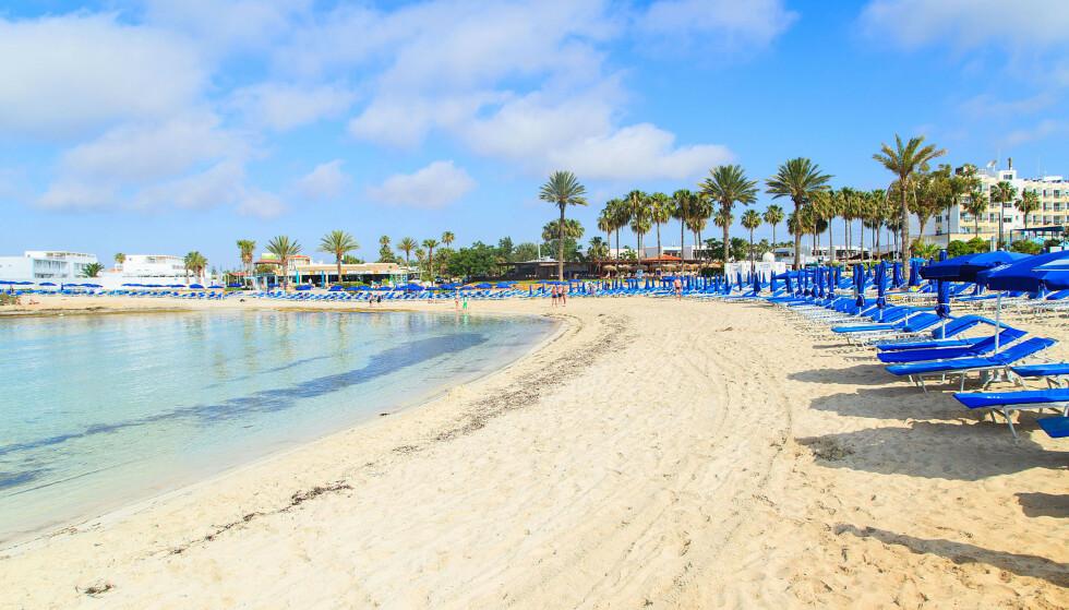 KYPROS: Syden-øya åpner nå for reisende som er vaksinert, selv om landet opplever høyt smittetrykk om dagen. Foto: Shutterstock/NTB