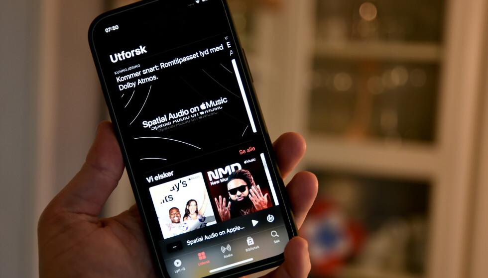 FÅR SUPERLYD: Snart vil Apple Music både by på tapsfritt komprimert musikk og spatial audio på hele sitt musikkbibliotek. Foto: Pål Joakim Pollen