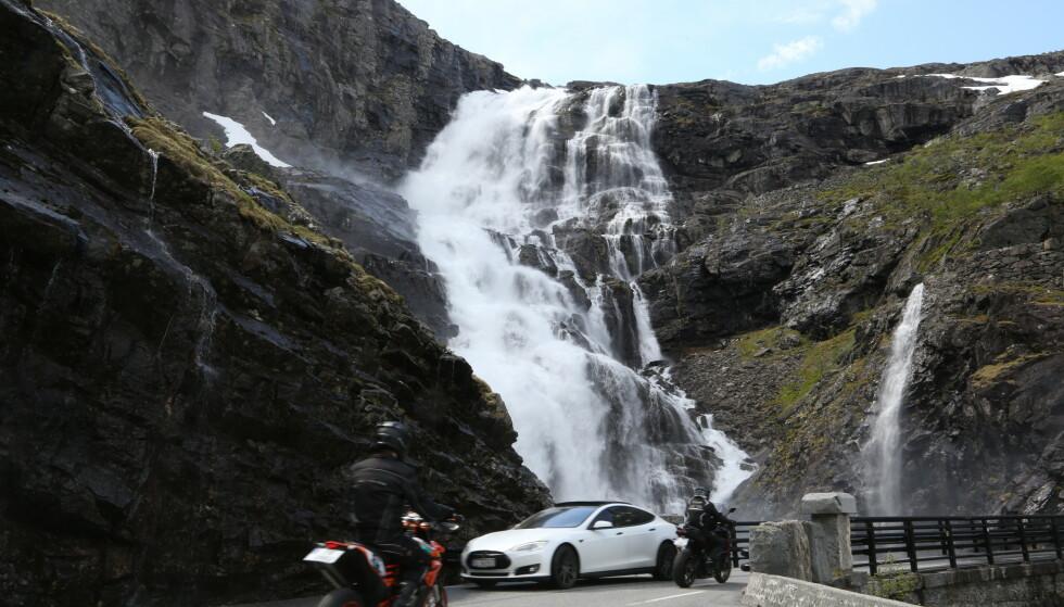 Gode tips på veien: Å kjøre elbil på ferie krever at man har lært seg å unngå noen av nybegynnerfeilene. Foto: Odd Roar Lange/The Travel Inspector