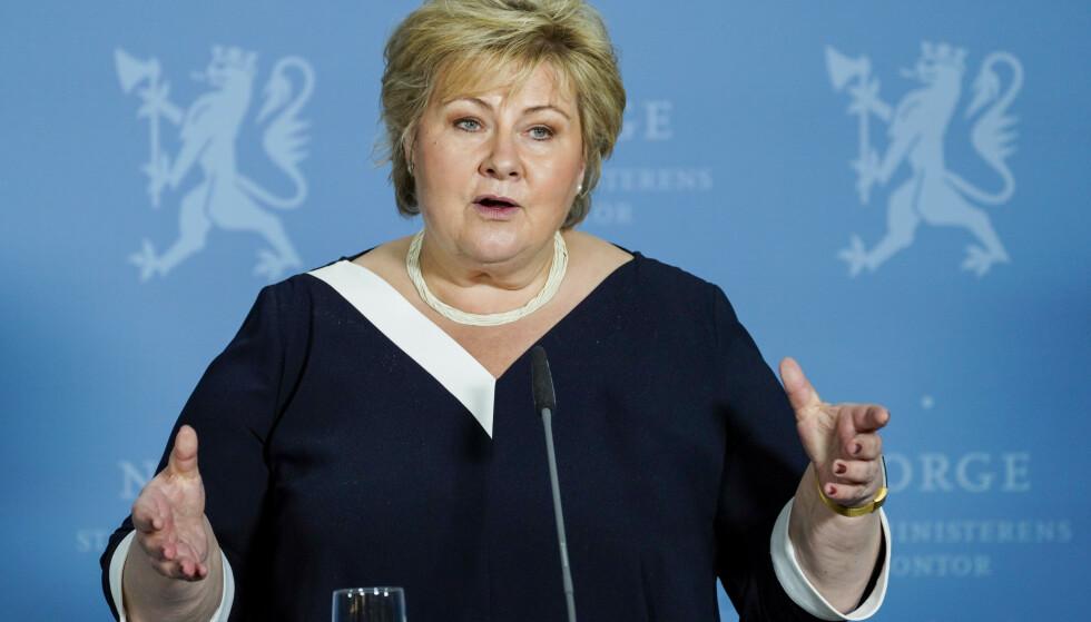 TRINN TO: Dette innebærer det. Her statsminister Erna Solberg (H) under en pressekonferanse om coronasituasjonen onsdag. Foto: NTB