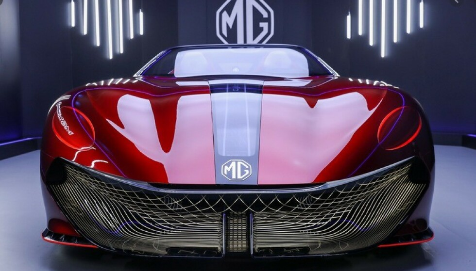10 000 KRONER: For 10 000 kroner kan du bli med på folkefinansieringen av MGs nye, elektriske superbil. Foto: MG