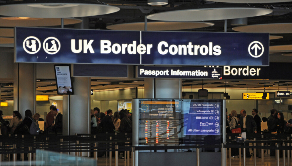 STRAMMER INN: I løpet av 2024 forventer Storbritannia å innføre digital grensekontroll i samme stil som USAs ESTA-system. Foto: Dennis Stone/REX/NTB