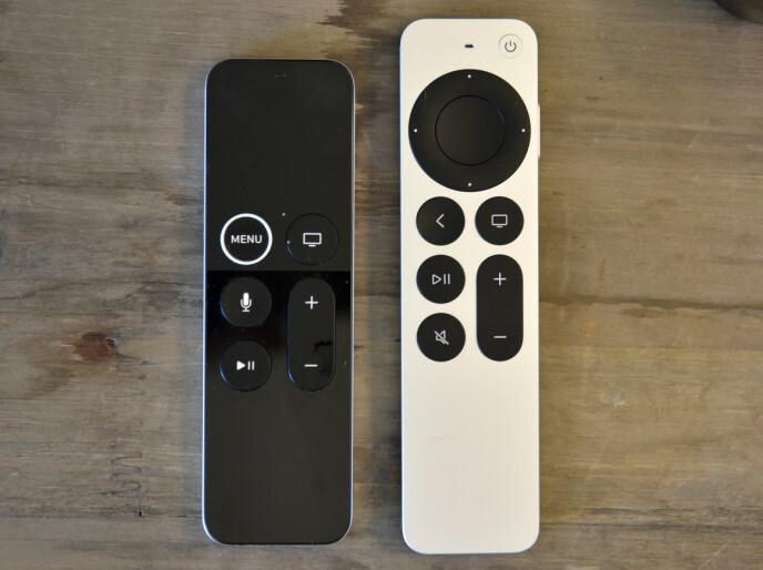Til venstre: Fjernkontrollen til Apple TV 4K (2017), til høyre: fjernkontrollen til Apple TV 4K (2021)