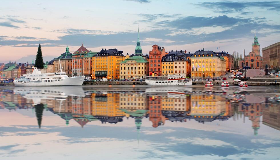 IKKE PÅ TOPP: Smitten er på vei ned i Sverige, men landet er fortsatt på Europatoppen. Her fra gamlebyen i Stockholm. Foto: NTB