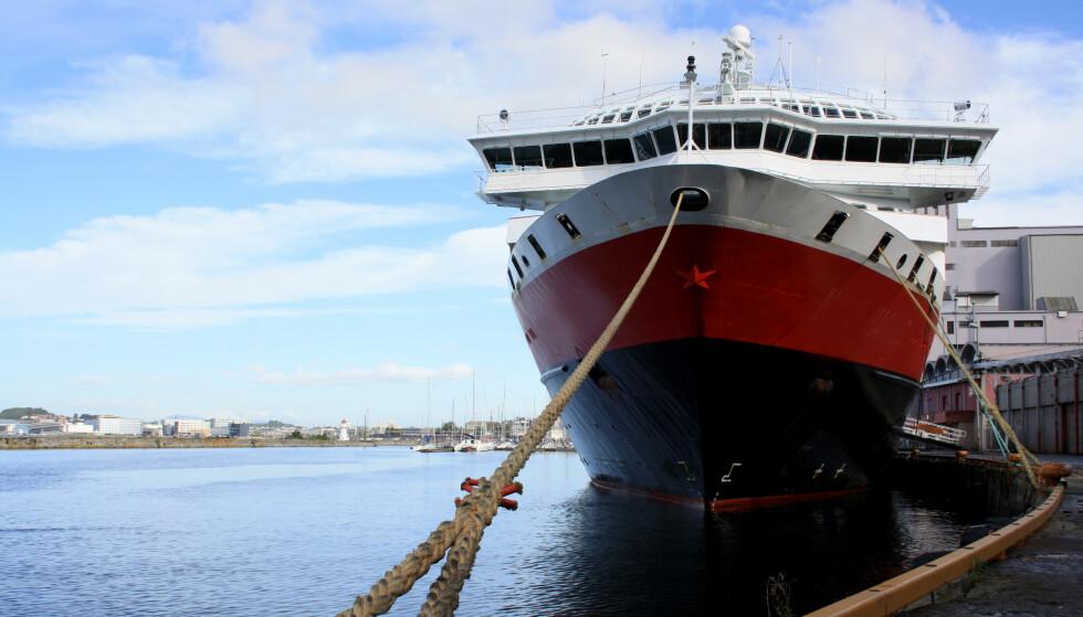 FULL DRIFT: Fra juli skal Hurtigruten gå som normalt. Foto: NTB