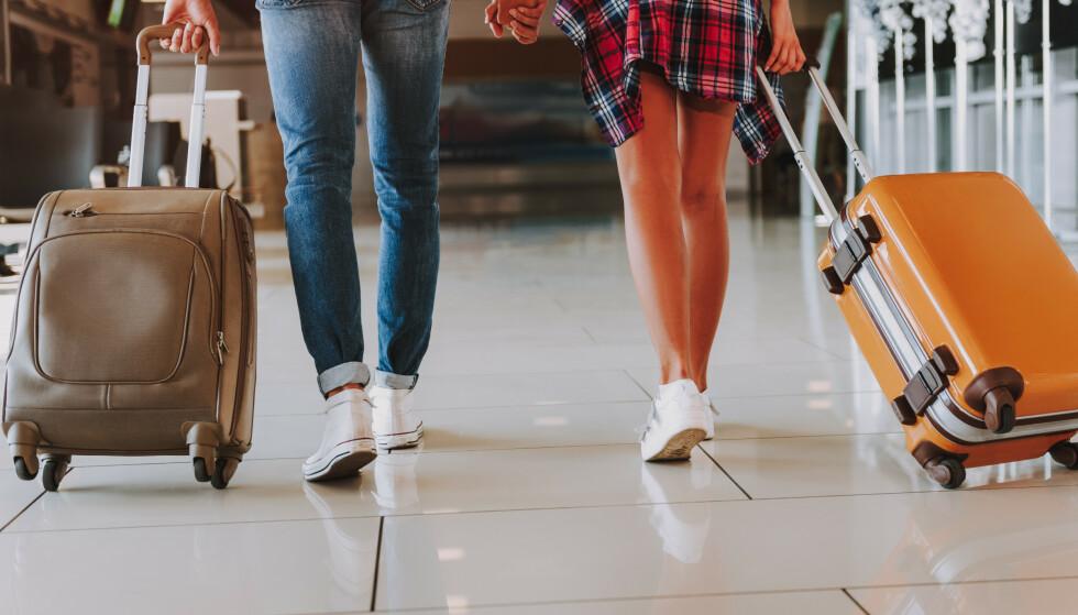HÅNDBAGASJE: Vet du hvilke regler som gjelder for håndbagasje hos de ulike flyselskapene? Foto: Olena Yakobchuk / Shutterstock / NTB