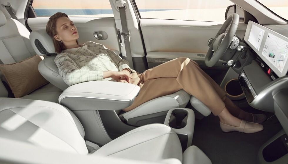 HELT NYTT: Ioniq 5 er bygget på en helt ny elektrisk plattform, som også er grunnlaget for søstermodellen Kia EV6 når den kommer om et halvt års tid. Nye seter er bygget for avslapping. Foto: Hyundai