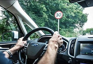 Nå får alle nye biler «fartssperre»