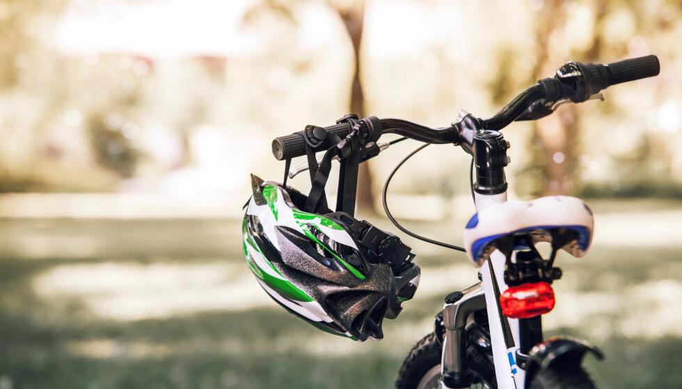 TEST: Folksam har gjennomført tester av sykkelhjelmer. Foto: Soloviova Liudmyla / Shutterstock / NTB