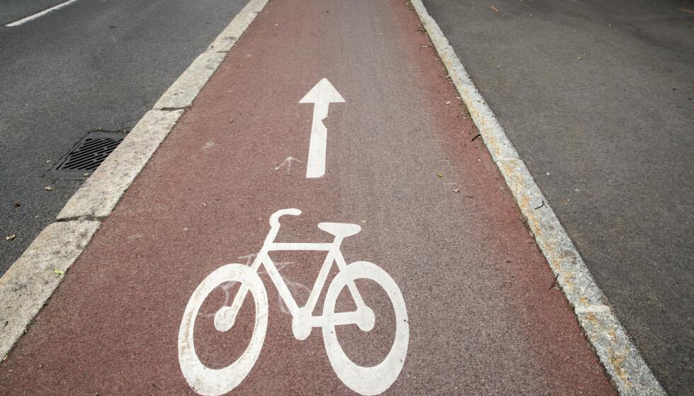 UKLART? Ikke alle forstår hvilken retning syklisten skal sykle i på de røde feltene. Foto: Terje Pedersen / NTB