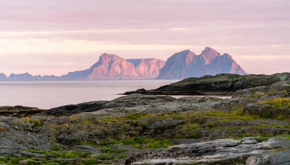Kveldstur på Å: Lofoten byr på nydelig natur, og Å er intet unntak. Foto: Kathrine Salhus