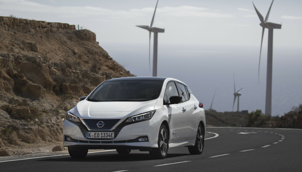 SVÆRT BILLIG: Nissan Leaf er stor som en VW Golf, men blir nå billigere enn lille VW e-UP. Et bedre elbilkjøp enn dette er vanskelig å finne akkurat nå. Foto: Nissan