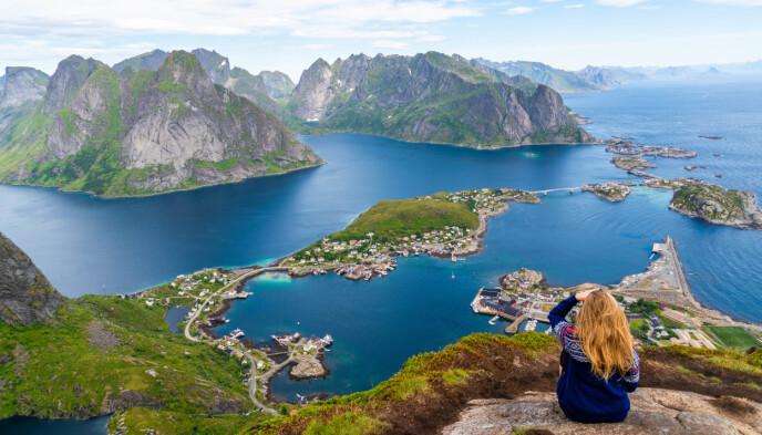 Reinebringen: Om du kun skal på én topptur i sommer, anbefaler vi denne. Foto: Sølve Opsal Marøy.