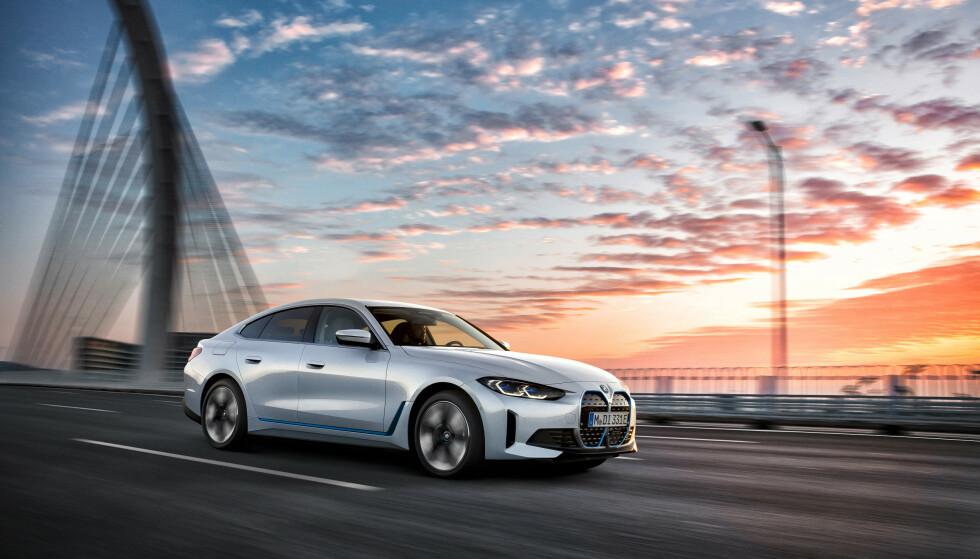 GT-BIL: Den barskeste utgaven av BMWs nye i4 har to motorer på til sammen 544 hester, samt firehjulstrekk. BMW lover like mye kjøreglede som i sine bensinbiler. Foto: BMW