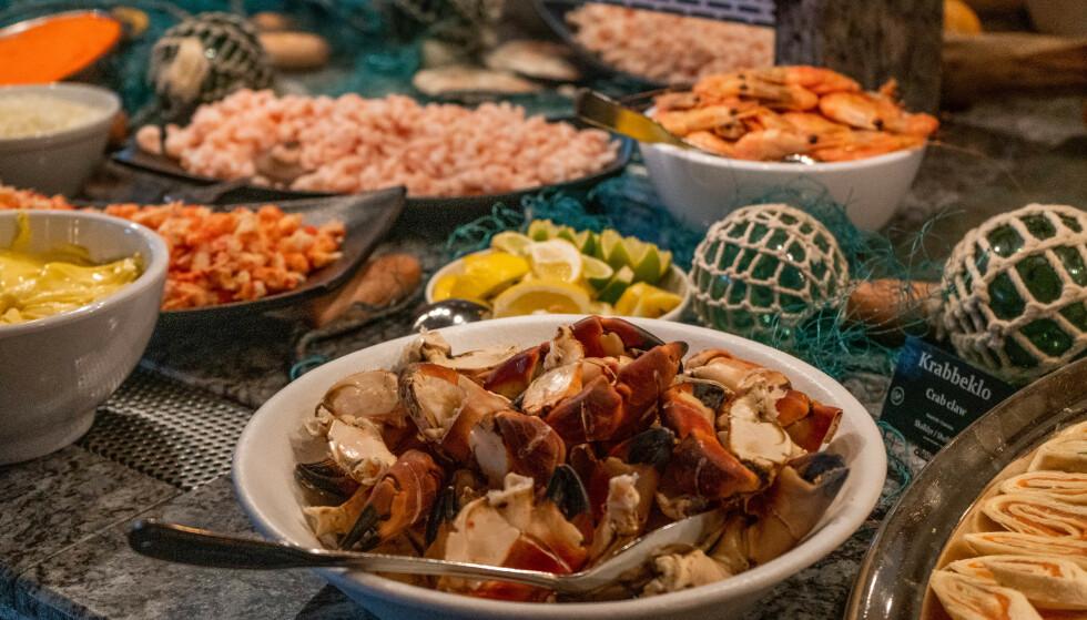 Bugnende buffet: Hotel Alexandra i Loen er kjent for sin velfylte buffet. Foto: Kathrine Salhus