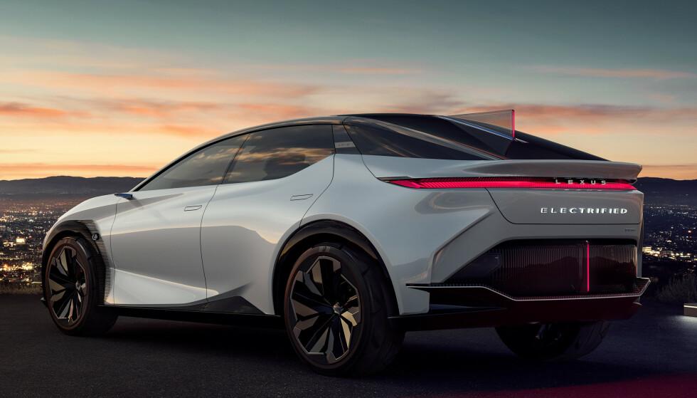 STORT SPRANG: For Lexus er denne bilen er stort sprang, ikke minst designmessig. Foto: Lexus
