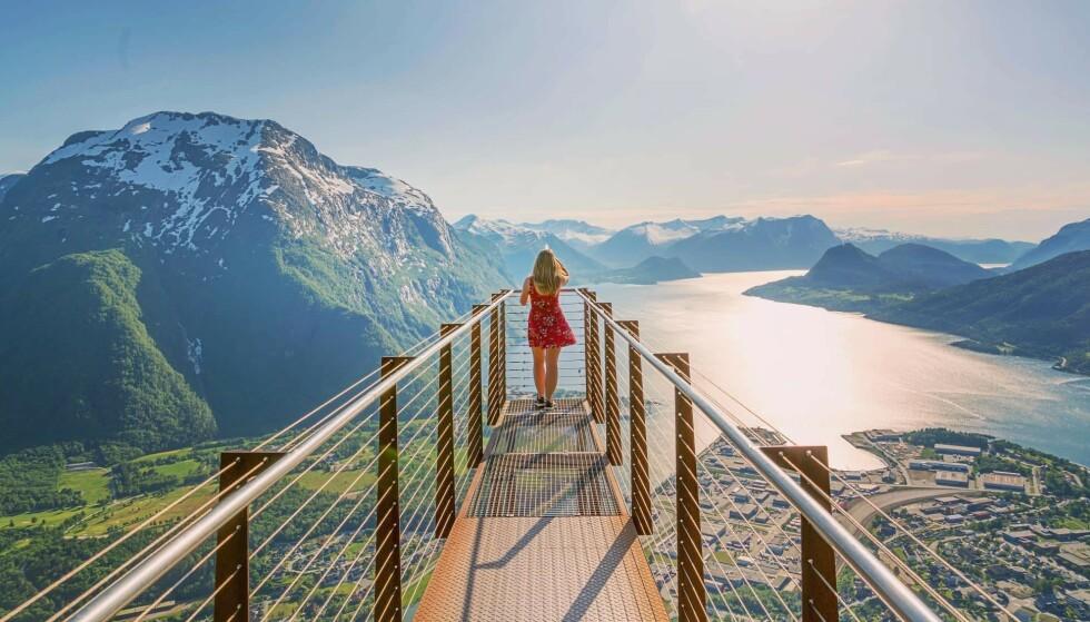 Nasjonalromantisk: Utsiktspunktet Rampestreken gir deg nasjonalromantikk i bøtter og spann. Foto: Sølve Opsal Marøy