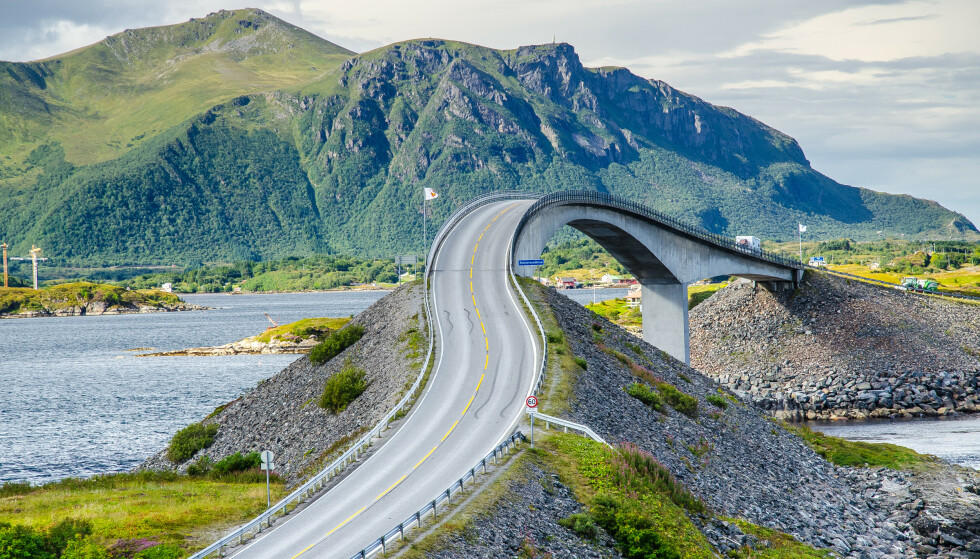 Buede bruer: Atlanterhavsveiens særegne bruer er verdt å se: Foto: Shutterstock / NTB