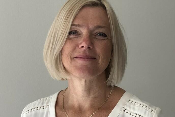 FOKUS: Seniorrådgiver i Statens vegvesen, Rita Helen Aarvold, mener det er helt avgjørende å ha fokus på det man skal bak rattet - nemlig kjøringen.
