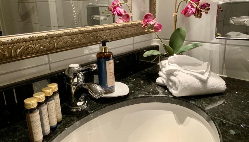 Mer på menyen: Hotellene har ofte flere gratis toalettartikler i resepsjonen. Foto: Odd Roar Lange/The Travel Inspector