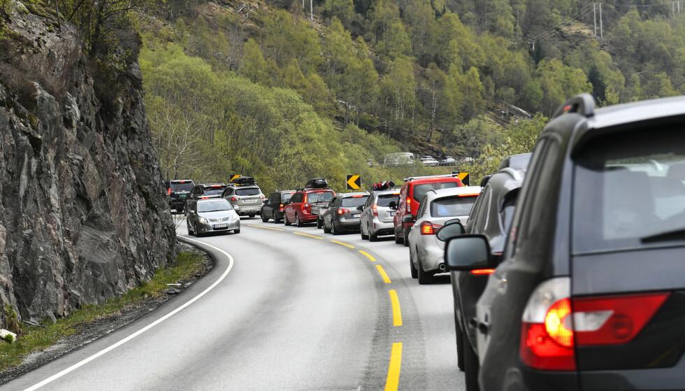 KØ: Forvent mye kø på veiene i sommer. Foto: Marit Hommedal / NTB