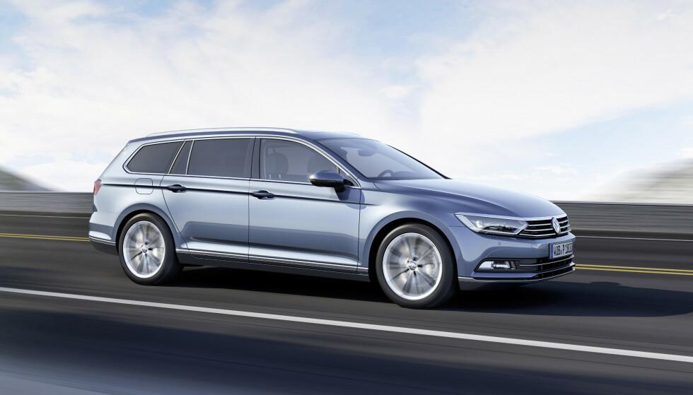 GÅR LENGST: VW Passat er bilen som går lengst etter at bensinlampa har begynt å lyse, ifølge tester som det britiske nettstedet Compare The Market har gjort. Foto: VW