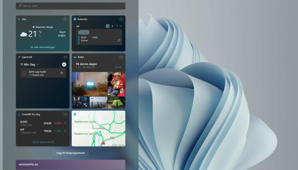 Miniprogrammer i Windows 11. Øverst en samling av widgets ...