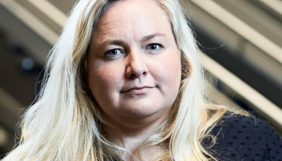 Kristin Hovland, kommunikasjonssjef i Komplett Group, beskriver PlayStation 5-situasjonen som krevende. Foto: Komplett Group