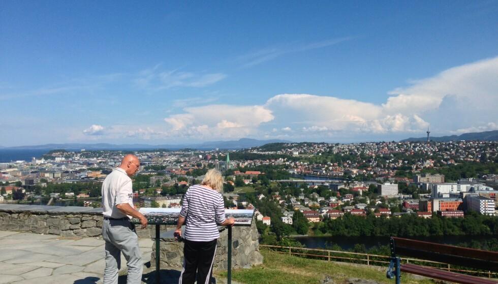 Utsikt: Du kan få fin utsikt over byen også uten å dra til skogs. Foto: Odd Roar Lange/The Travel Inspector