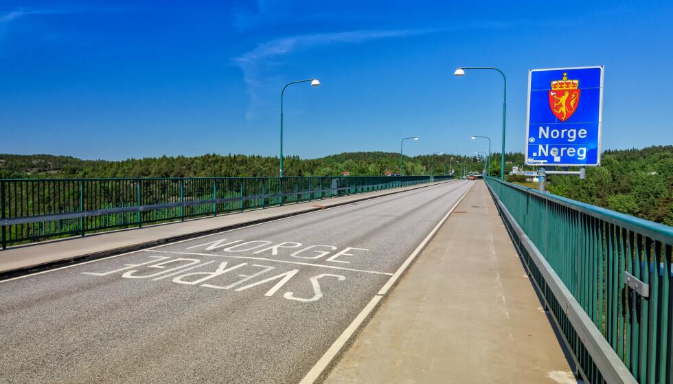 TRAFIKKREGLER: Sverige har noen «sære» trafikkregler i forhold til Norge. Foto: Piotr Wawrzyniuk / Shutterstock / NTB
